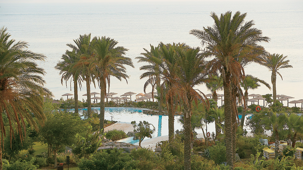 Set alongside the beach of the Kos Imperial Thalasso and offering amazing Aeagean views