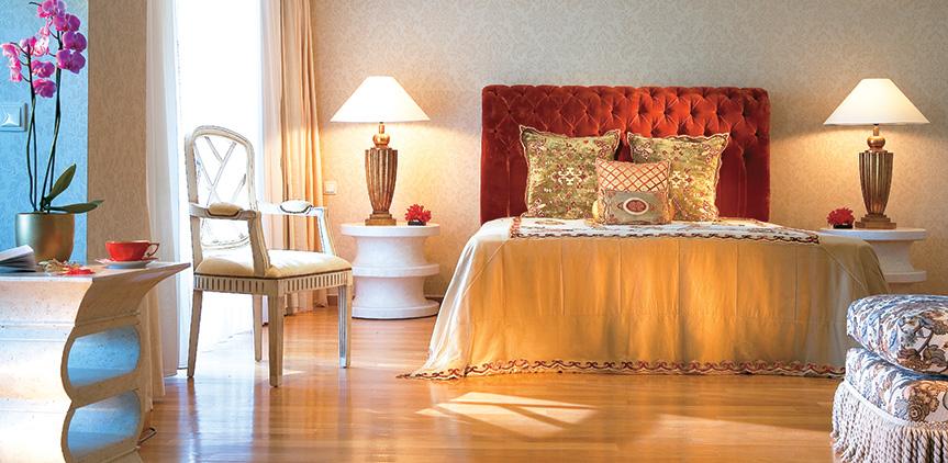 04-kos-imperial-luxury-master-bedroom-royal-pavilions