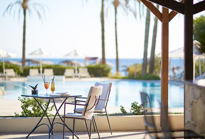 05-pool-dining-in-kos-island