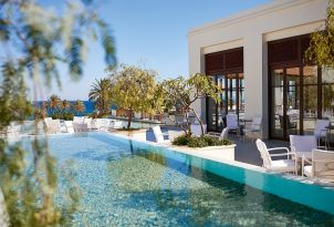 Pool-side-Restaurant-at-Kos-Imperial-5-star-Hotel